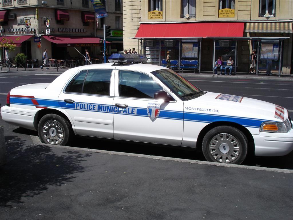 photos de voitures de police page 82 auto titre. Black Bedroom Furniture Sets. Home Design Ideas