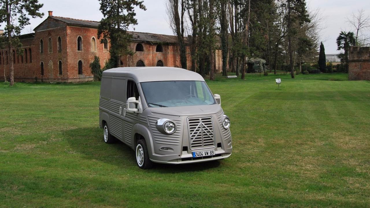 4af9d45419 https   www.motor1.com news 141196 body-kit-citroen-jumper-type-h  (Body  Kit Transforms New Citroën Jumper Into A Classic Type H Van)