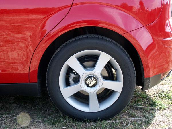 jantes 17 39 pneus taille basse inconfort auto titre. Black Bedroom Furniture Sets. Home Design Ideas