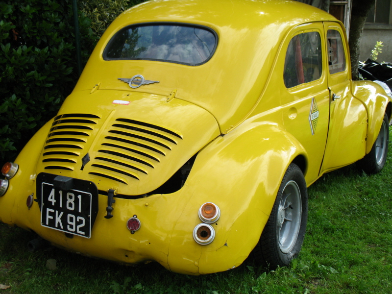 voiture de collection renault 4cv a vendre. Black Bedroom Furniture Sets. Home Design Ideas
