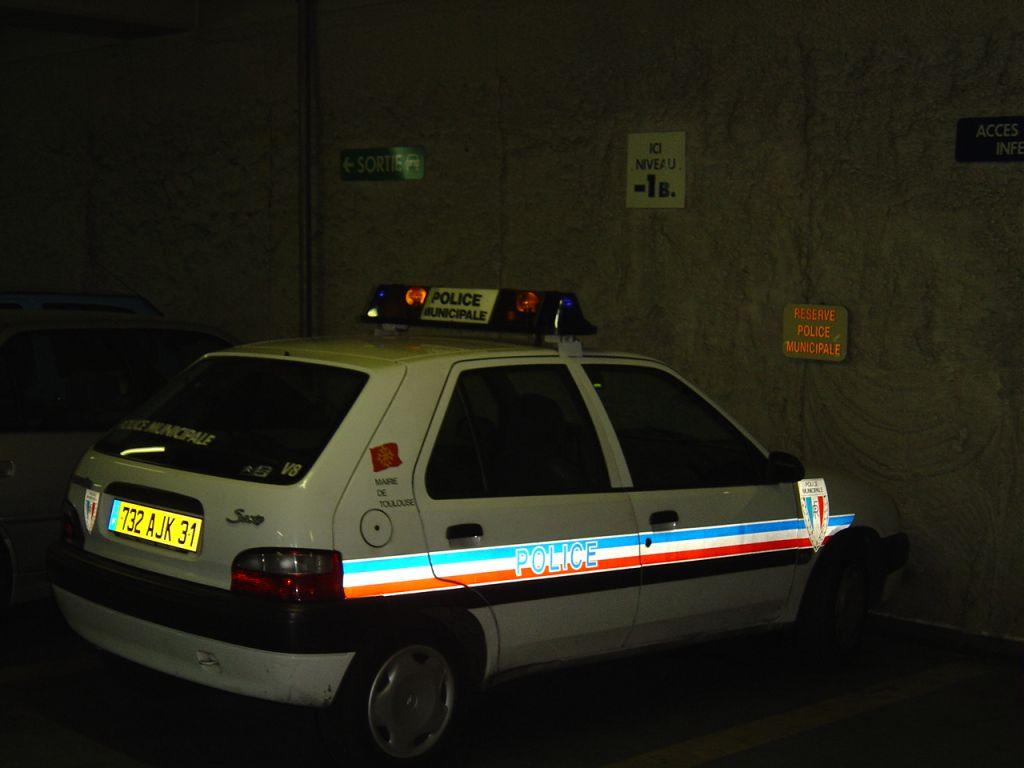 photos de voitures de police page 91 auto titre. Black Bedroom Furniture Sets. Home Design Ideas