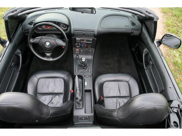 Bmw Z3 2 8l Roadster Vs Mazda Mx5 2003 1 8l Auto Titre