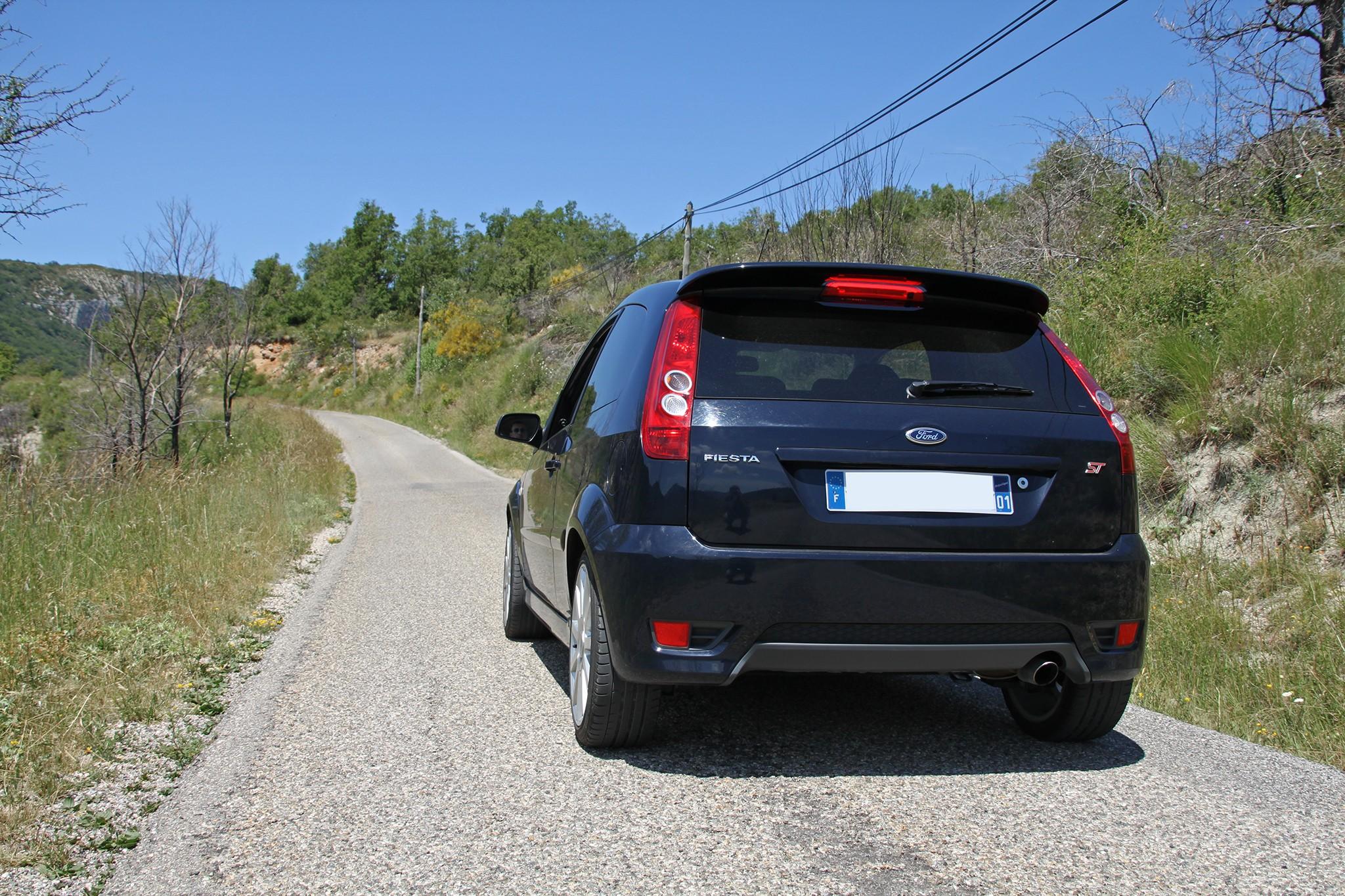 Marche arrière : La Ford Fiesta ST150 - Auto titre