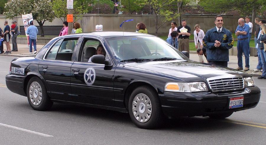 ford crown victoria  qui a d u00e9ja conduit ce v u00e9hicule