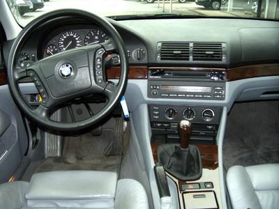 BMW (E39) 523i/525i/528i (et 540i soyons fous) touring ...