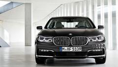 BMW 750d xDrive : 4 turbos et 400 ch pour le V8 Diesel