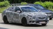 Renault Fluence 2016 : premiers spyshots de la Mégane à 4 portes