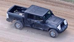 Le pick-up Jeep Wrangler se montre pour la première fois
