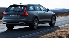 Volvo V90 Cross Country : Belle des champs