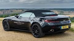 Premières images officielles pour la future Aston Martin DB11 Volante