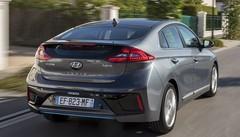 Essai Hyundai Ioniq vs Toyota Prius 4 : Rififi chez les hybrides