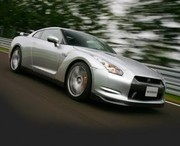 Nissan GT-R : La 911 Turbo en ligne de mire