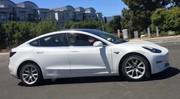 La Tesla Model 3 déjà surprise dans le trafic