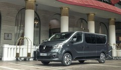 Renault Trafic SpaceClass : tapis rouge