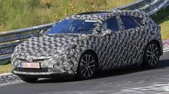 Une mystérieuse Prius SUV se fait surprendre