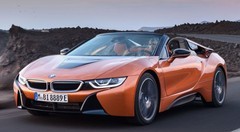 BMW i8 Roadster : la sportive hybride rechargeable tombe enfin le haut