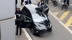 Enquête exclusive - Anne Hidalgo prône le métro, mais se déplace uniquement... en voiture (vidéo)