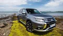 Outlander PHEV : déjà plus de 100 000 commandes de l'hybride de Mitsubishi