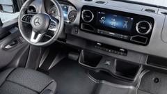 Mercedes connecte les chauffeurs à leur patron. En continu.