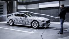 Mercedes-AMG GT4 (2018) : Le coupé 5 portes continue à se dévoiler