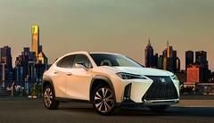 Lexus UX : première image et vidéo du cockpit