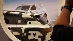 Audi e-tron quattro, le premier modèle électrique d'Audi avance masqué