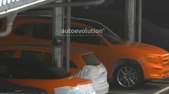 Le Mercedes GLB surpris à nu