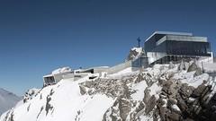 Jaguar installe le musée 007 Elements à 3 050 mètres d'altitude