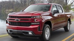 Changement d'époque : un 4 cylindres dans le Chevrolet Silverado