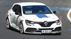 La future Renault Mégane R.S. Trophy défie le Nürburgring