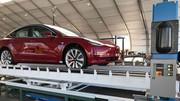Tesla: un responsable part, la production augmente