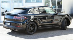 Porsche : le Cayenne coupé surpris en test