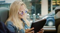 Malade en voiture ? Citroën vous sauve grâce à ces drôles de lunettes !