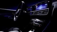 Mercedes continue de montrer des bouts de l'EQC
