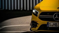 La Mercedes-AMG A 35 sort doucement de l'ombre