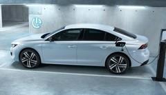 Peugeot présente ses hybrides rechargeables