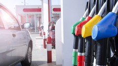 Le carburant disponible à prix coûtant chez Carrefour et Leclerc