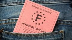 Macron promet une baisse du coût du permis de conduire