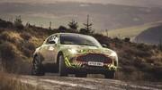 Le futur SUV d'Aston Martin s'amuse déjà dans la boue !