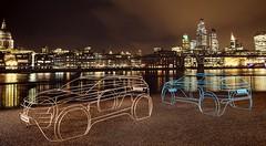 Des sculptures minimalistes du nouveau Range Rover Evoque exposées à Londres