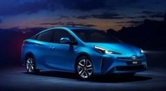 Toyota Prius : un nouveau look et une transmission intégrale en option