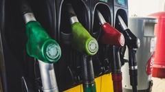 Moratoire sur la hausse des taxes sur le carburant : une bonne stratégie ?