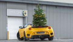 Merry Driftmas : pour Lotus, les livraisons de sapins se font en Evora GT410 Sport