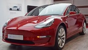 Tesla Model 3 : la production stagne, le cours en bourse chute