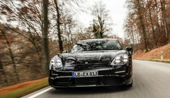 Porsche Taycan : l'ancien pilote de rallye Walter Röhrl l'a essayée