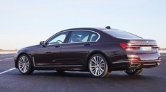 BMW 745e : À recharger