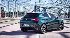 Alfa Romeo Giulietta : mamie fait de la résistance à Genève