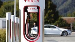 Tesla dévoile son nouveau Superchargeur
