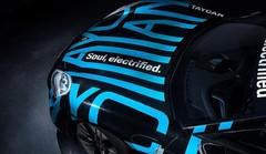 Porsche montre des bouts de Taycan
