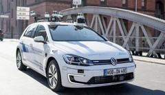 Une Volkswagen Golf autonome à Hambourg